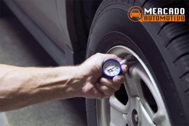Mantendo a calibragem correta dos pneus