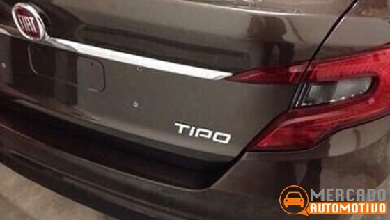 Novo sedã da Fiat é flagrado no Brasil